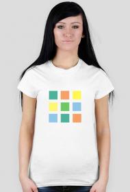 T-shirt damski w kwadraciki